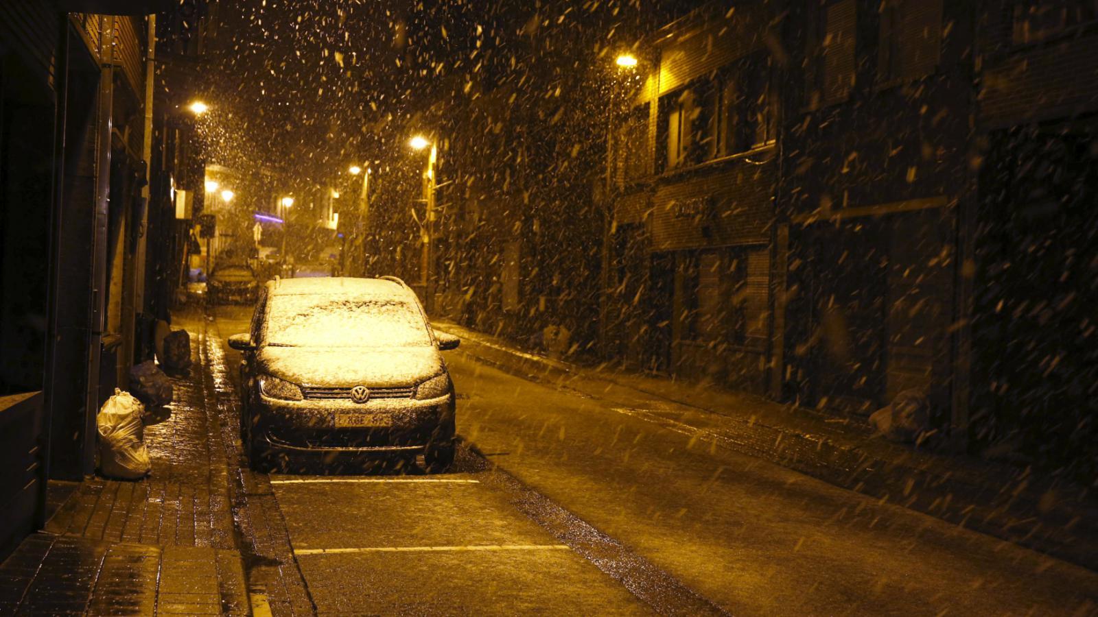 Sníh komplikuje dopravu v Belgii