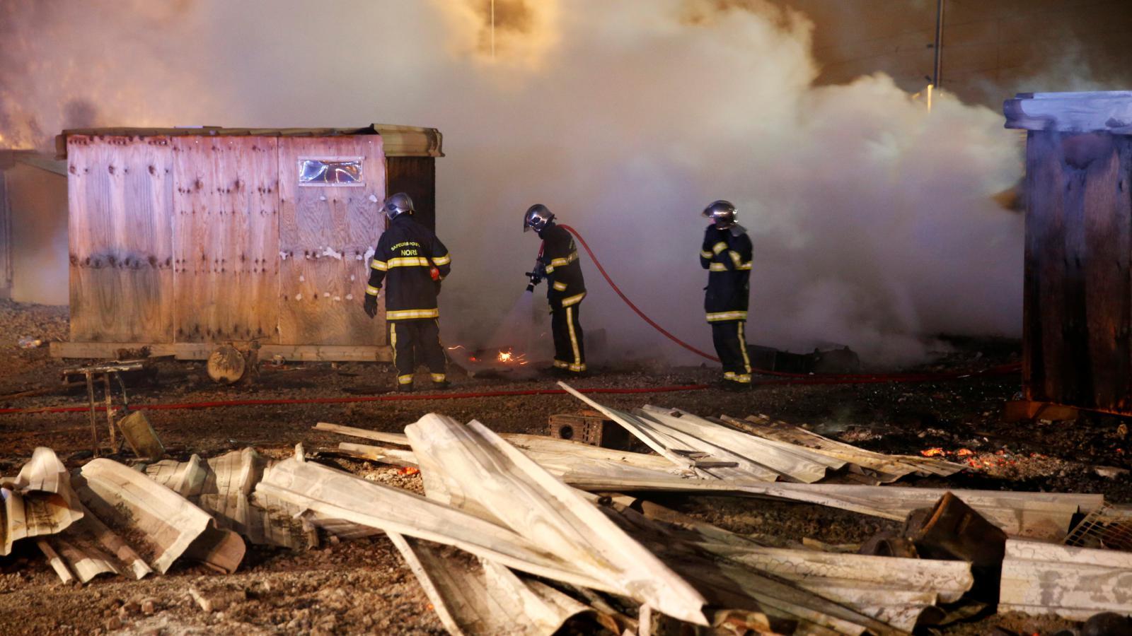 Požár ve francouzském uprchlickém táboře