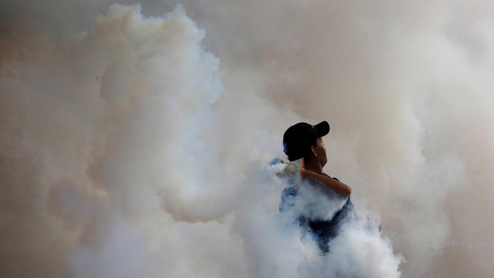 Střety mezi bezpečnostními silami a odpůrci prezidenta Madura