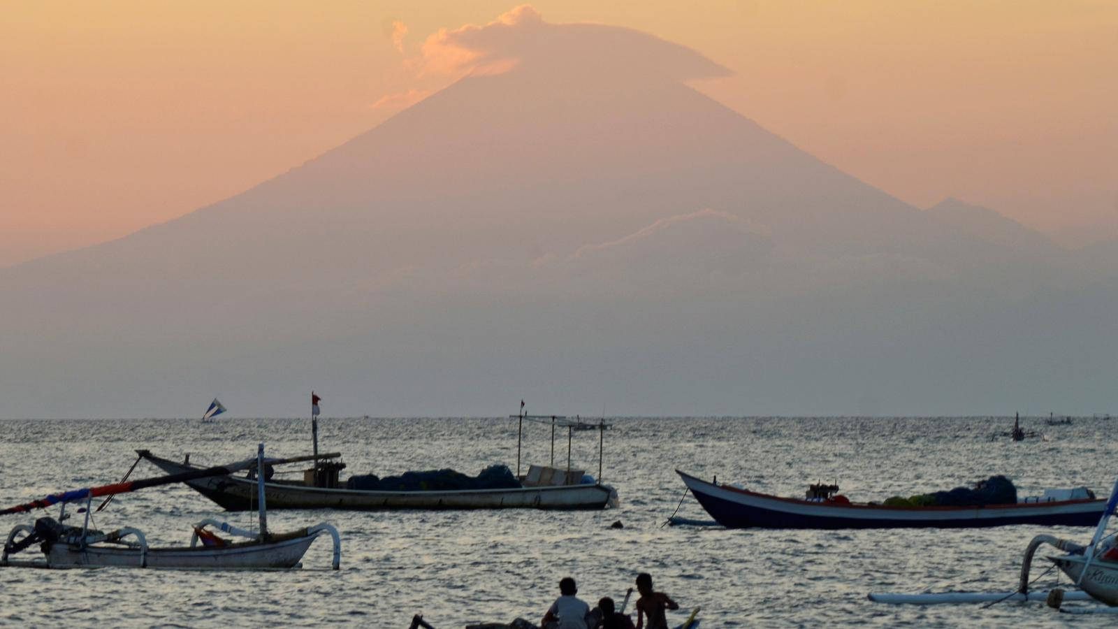 Na Bali se probudila sopka Agung