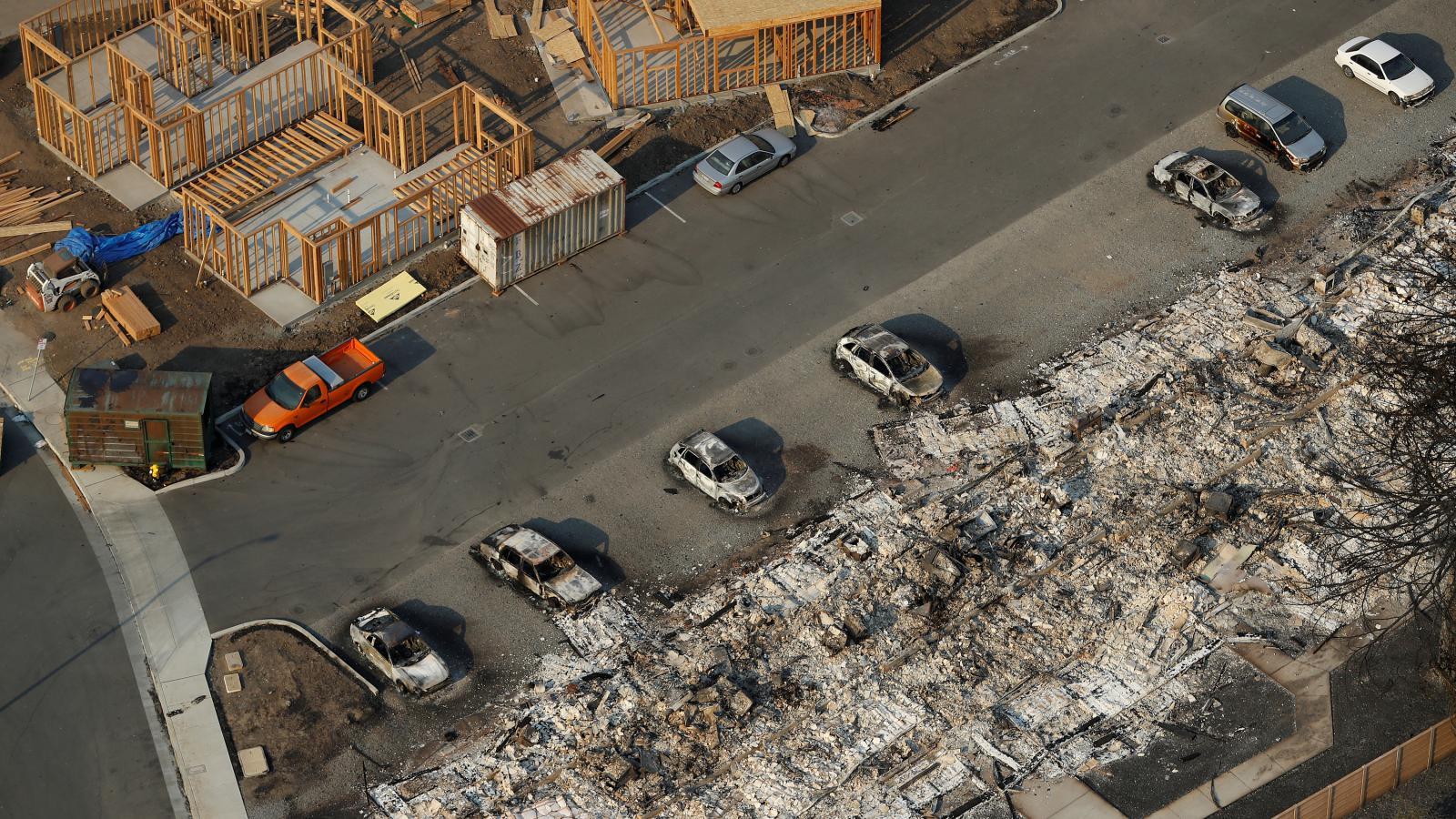 Požárem zničené město Santa Rosa