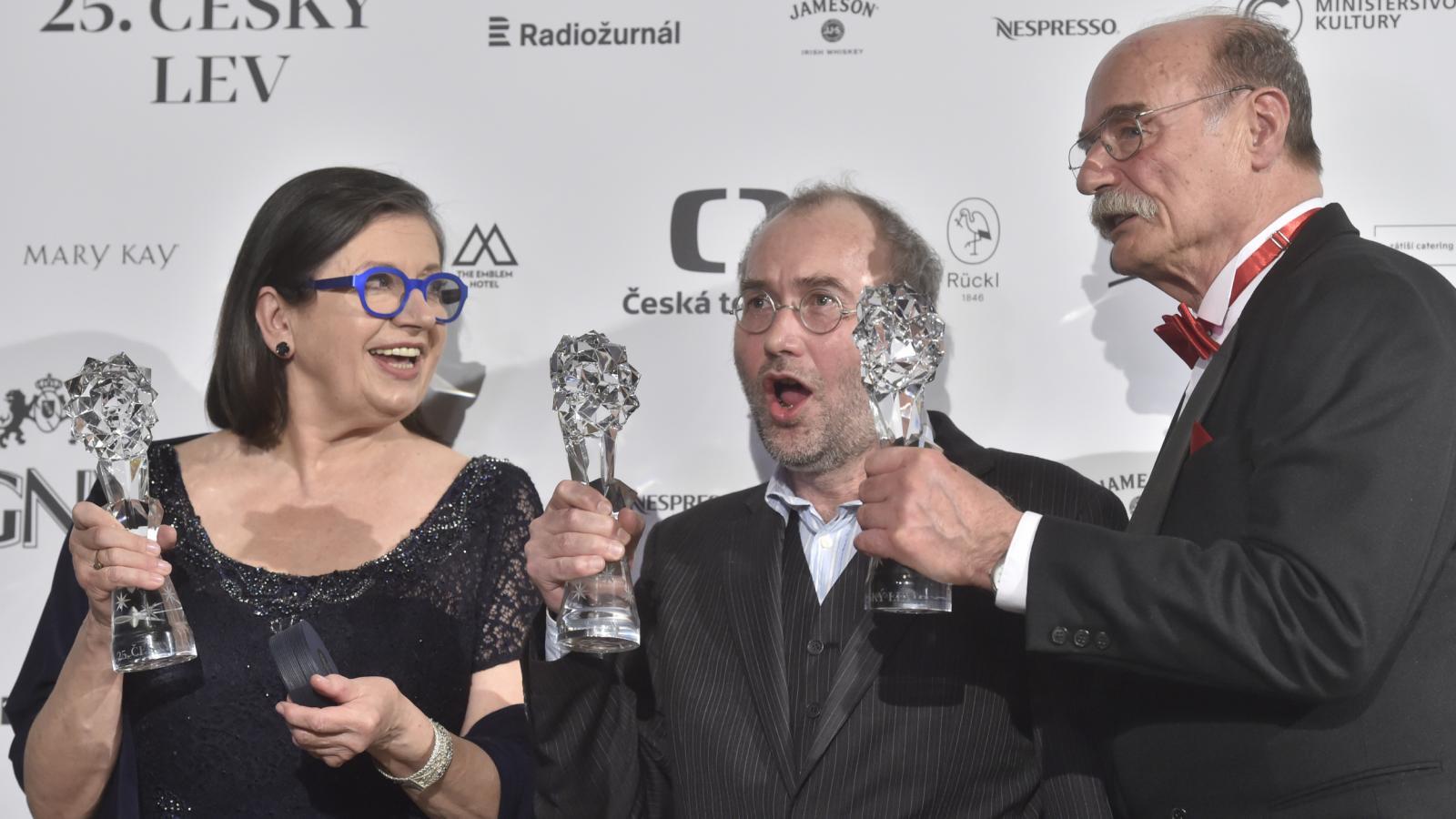 Český lev za rok 2017: Zuzana Kronerová, Bohdan Sláma, Pavel Nový (Bába z ledu)