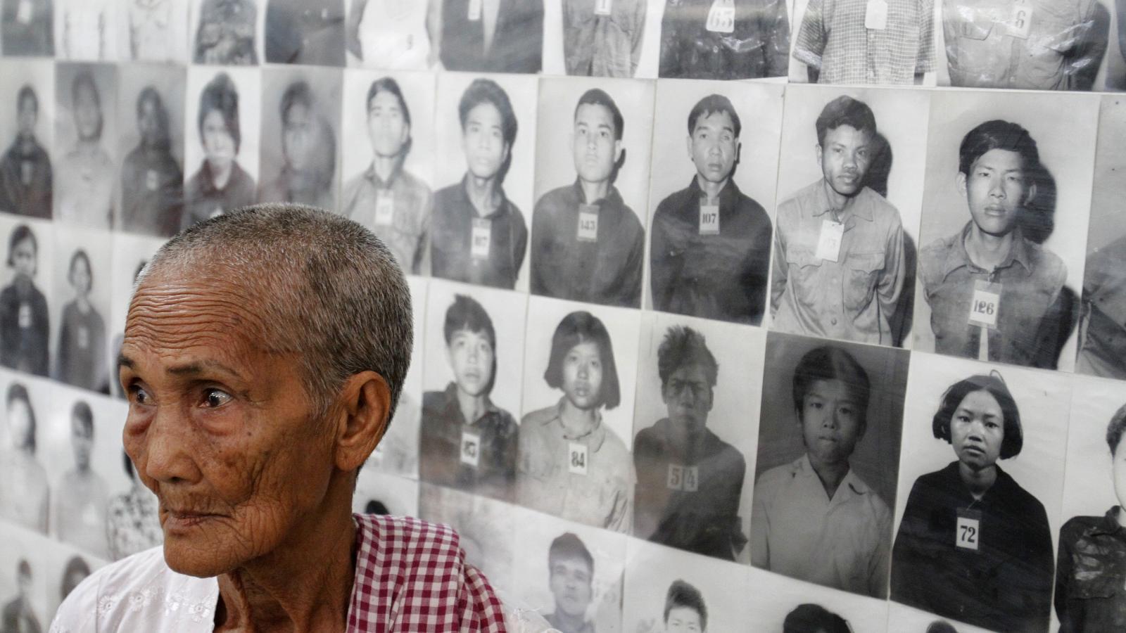 Přeživší v muzeu kambodžské genocidy