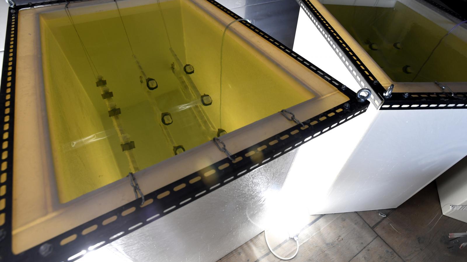 Výroba lustru metodou řízeného růstu krystalů