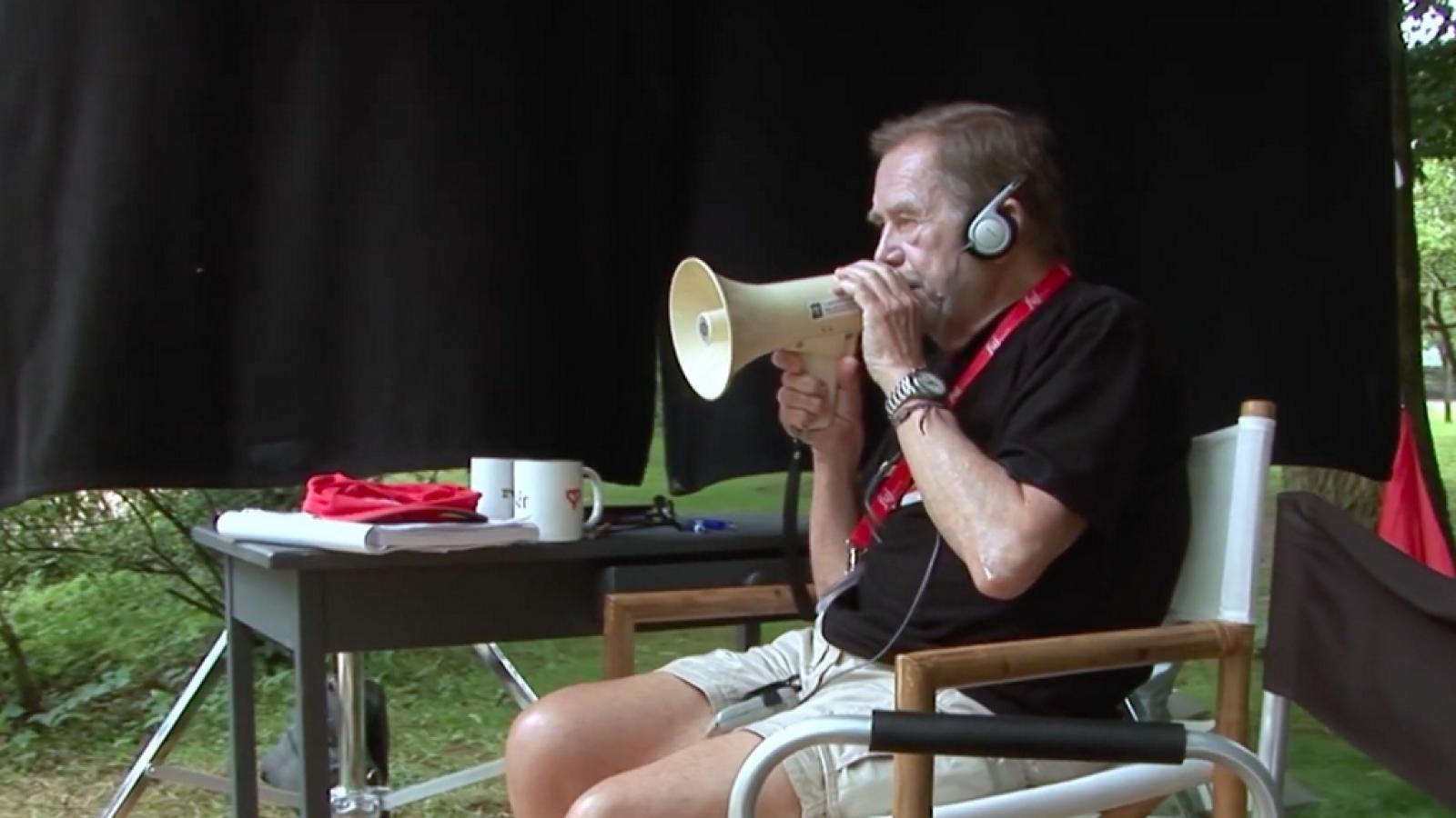 Tady Havel, slyšíte mě?