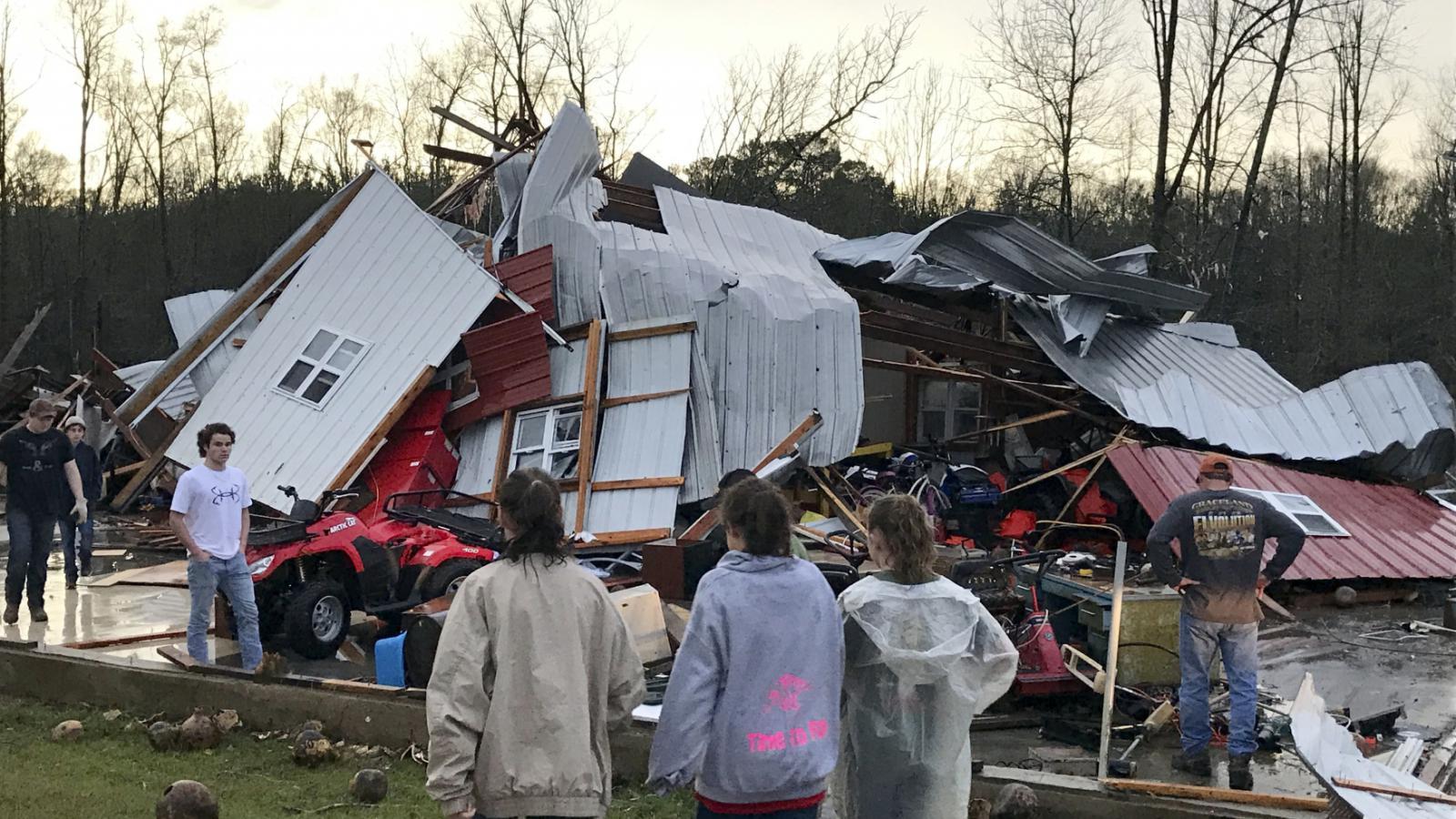 Trosky domu ve městě Mount Olive v Mississippi
