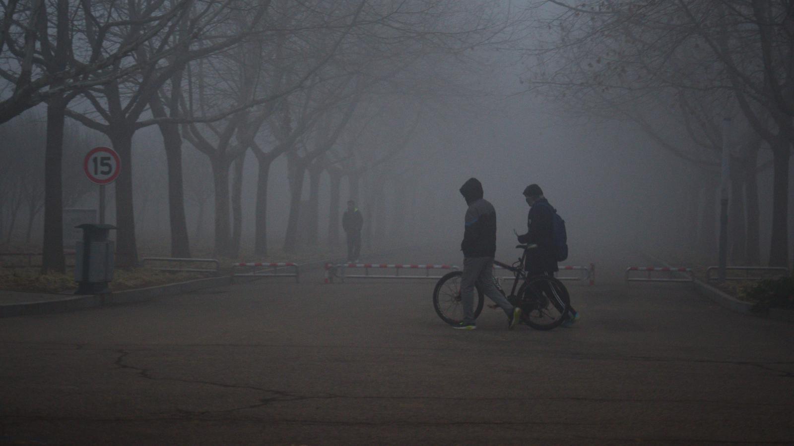Každoroční trable se nad Čínu znovu snesla s přelomem roku