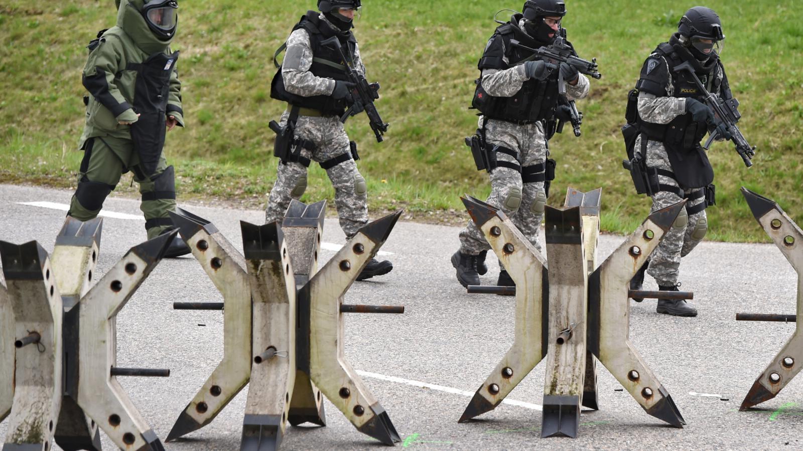 Cvičení proti teroristům v Temělíně