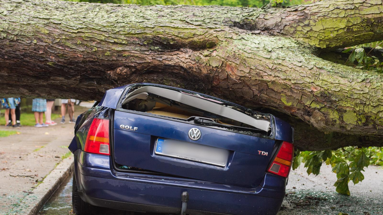 Následky bouře v Hamburku