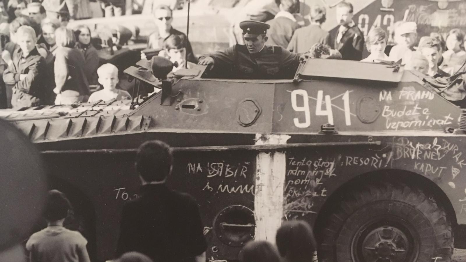 21.srpen 1968 ve Valašském Meziříčí na snímcích Jiřího Fojtíka