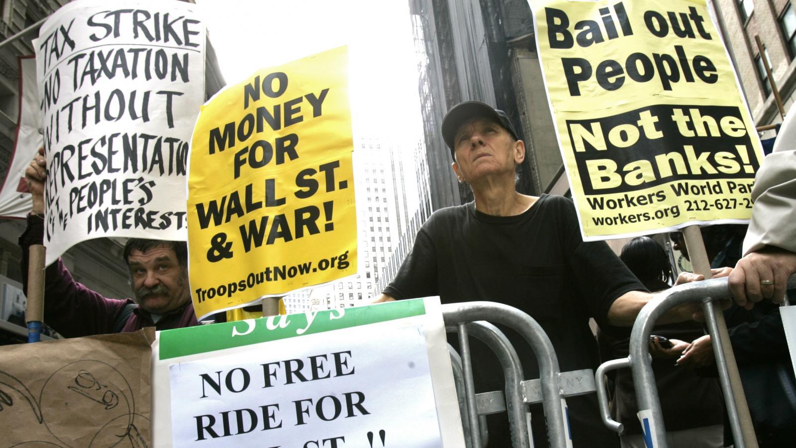 Demonstrace před newyorskou burzou koncem září 2008