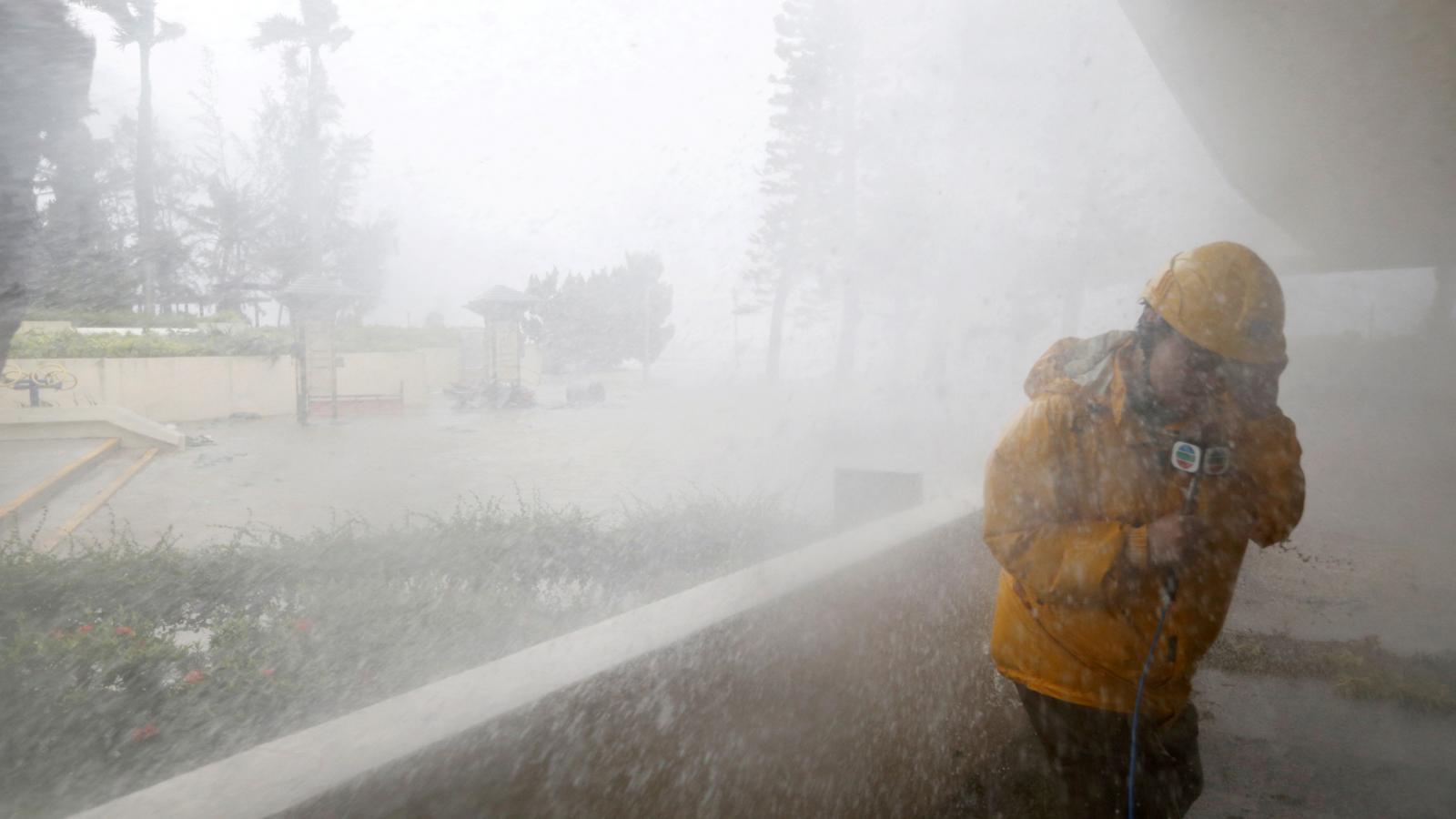 Tajfun Mangkhut bičuje Filipíny