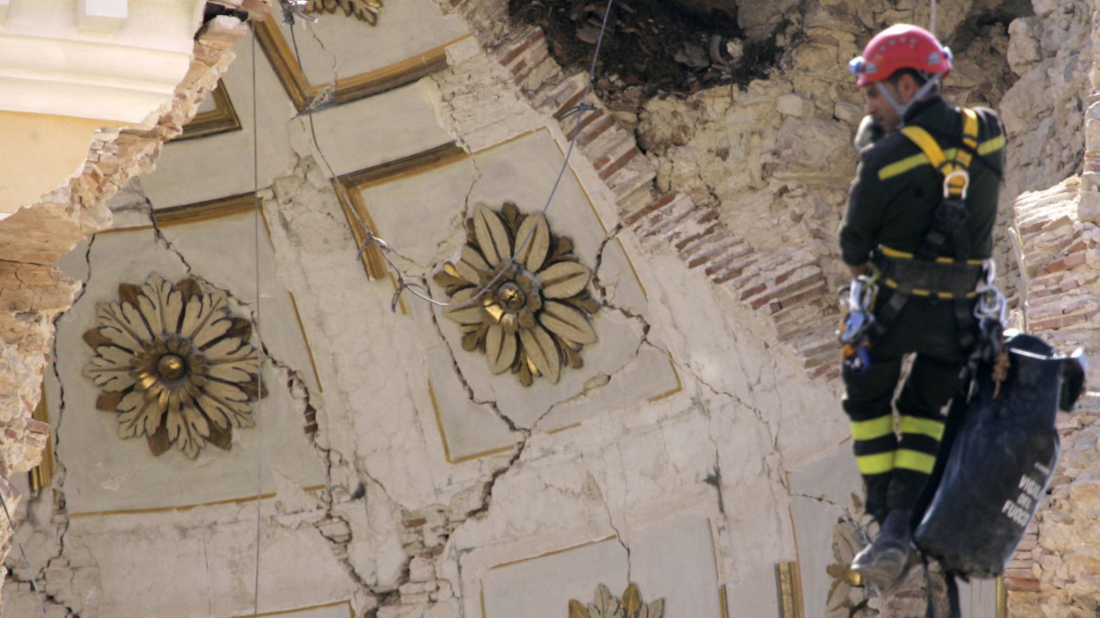 10 let od zemětřesení v Aquile. Třetina domů byla poškozena, více než 60 tisíc lidí přišlo o domovy