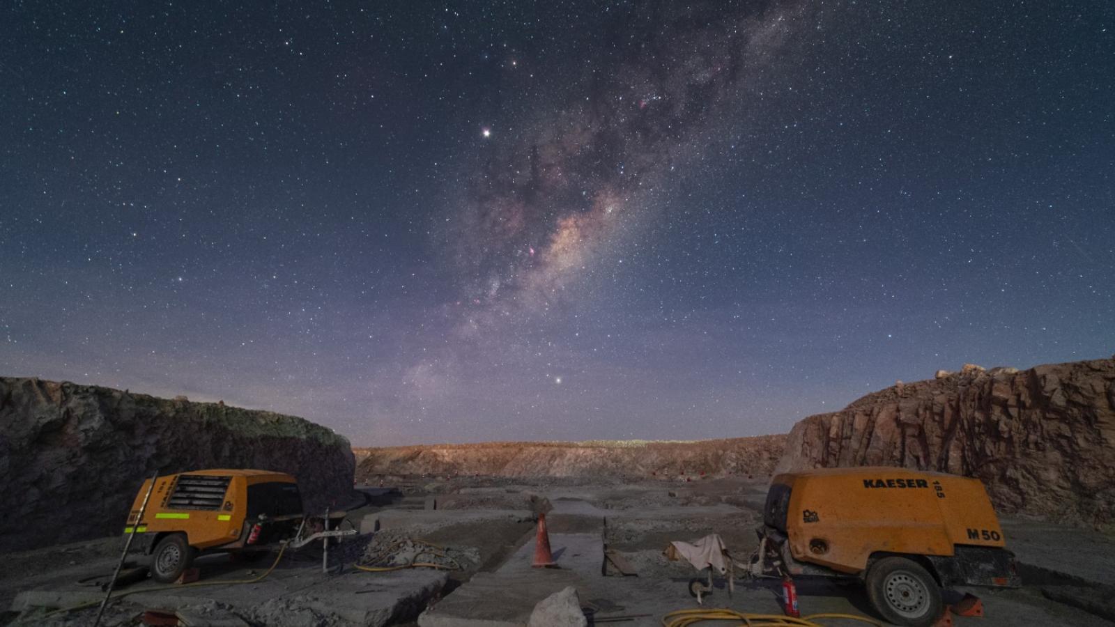 Stavba Extremely Large Telescope