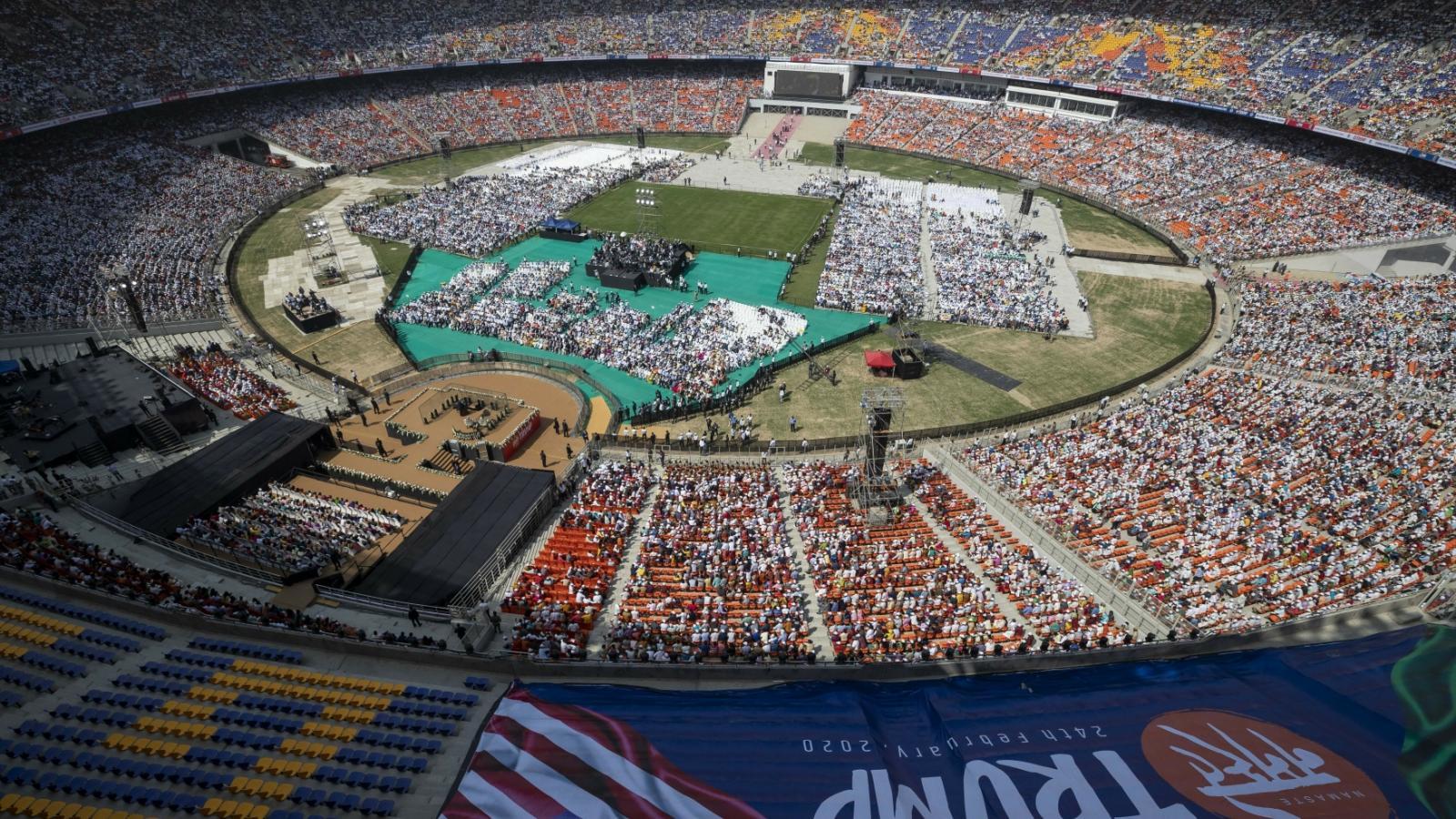 Největší kriketový stadion světa, na kterém oba politici vystoupili