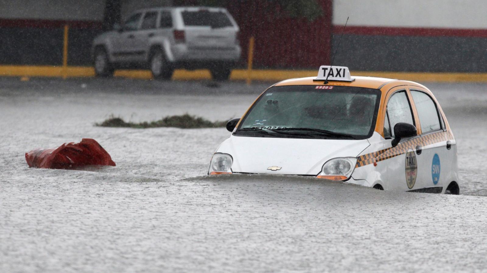 Hurikán Hanna zasáhl Texas a část Mexika