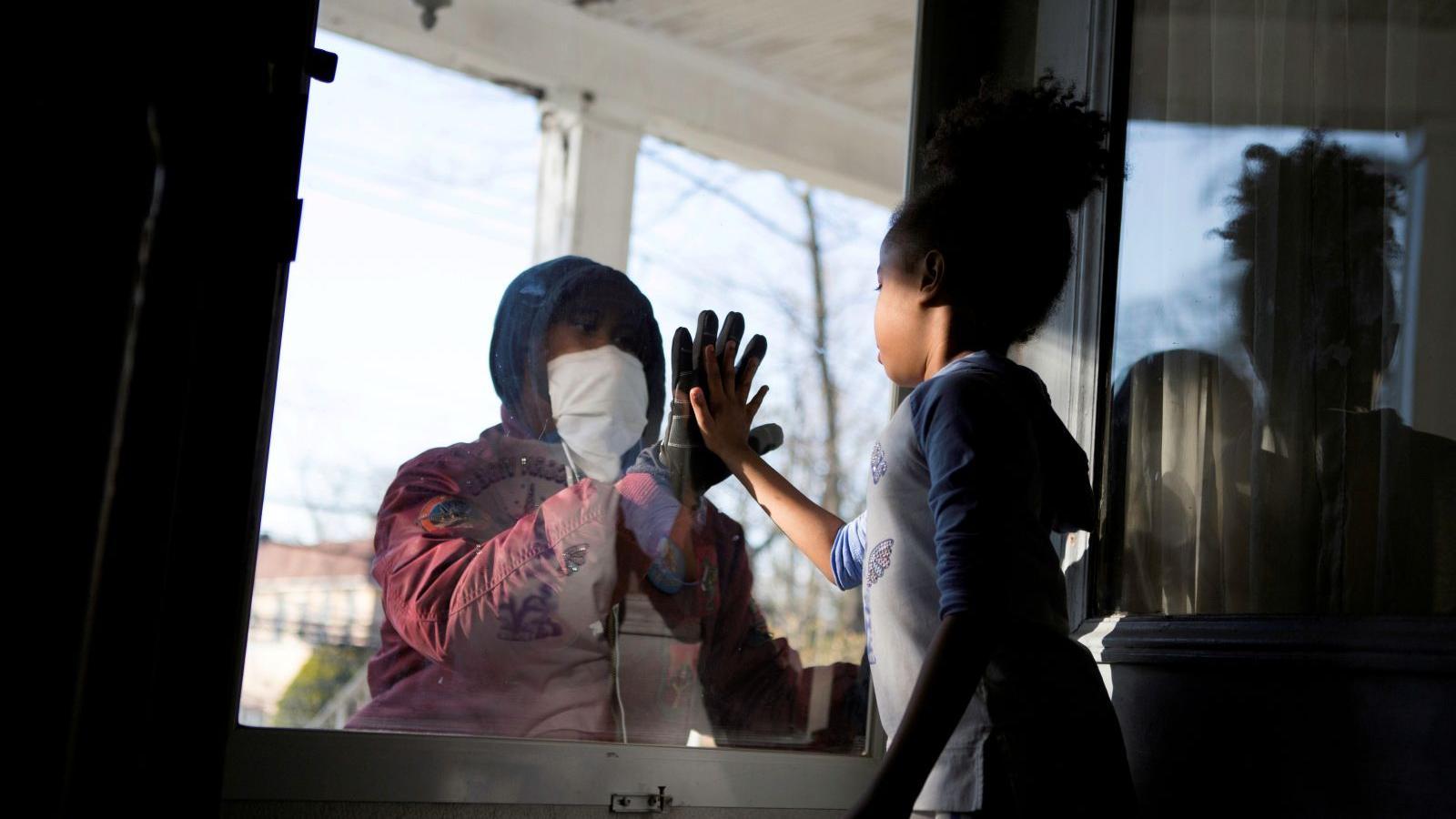 Dopady pandemie koronaviru po celém světě