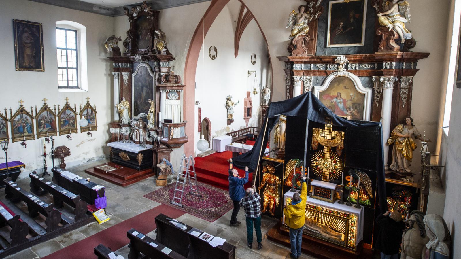 V jihočeských Doudlebech postavili vzácný boží hrob z roku 1883