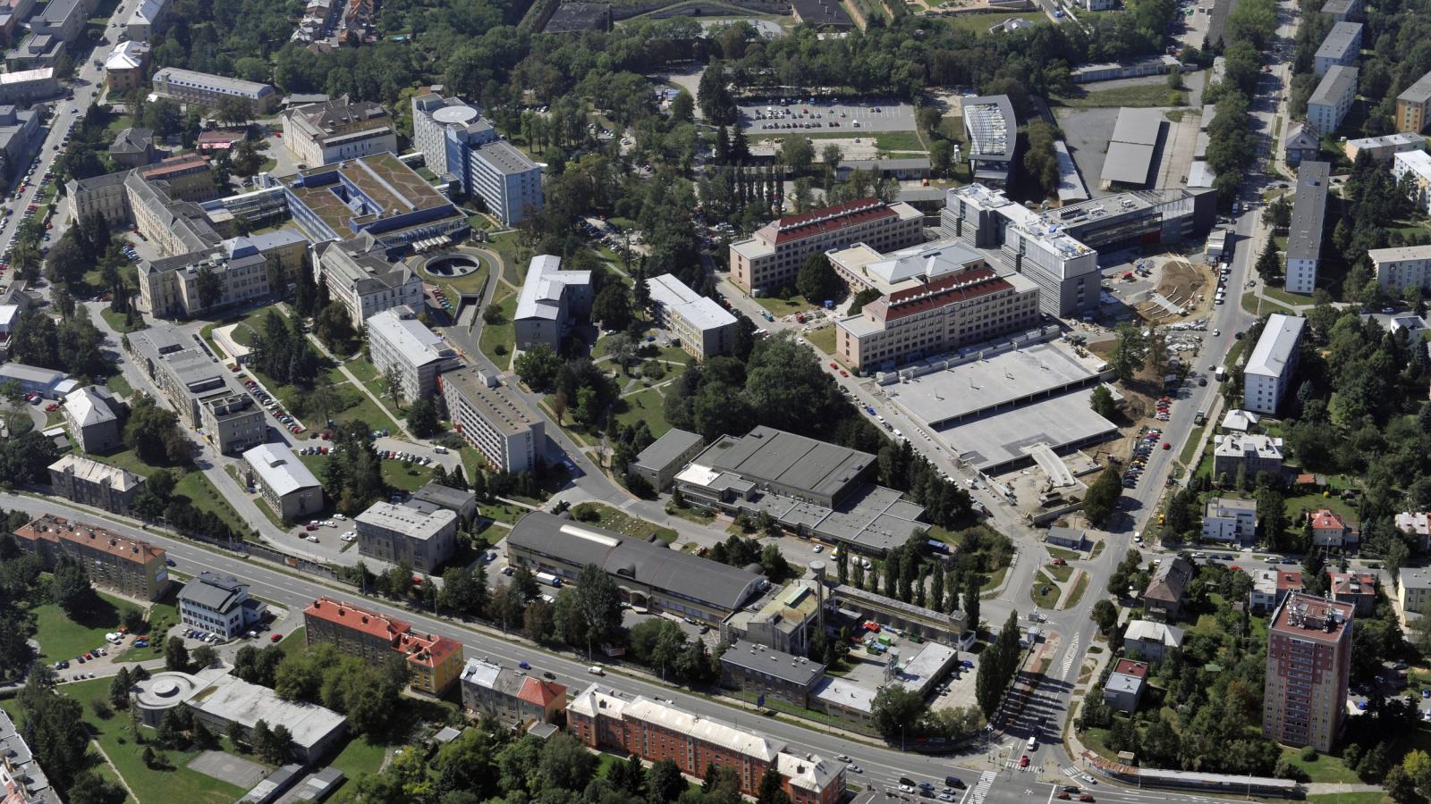 Areál Fakultní nemocnice v Olomouci - letecký snímek