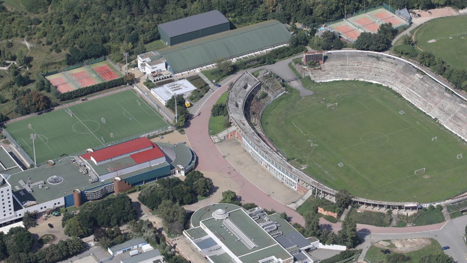 Vyměnit domy za stadion? Brno řeší Lužánky