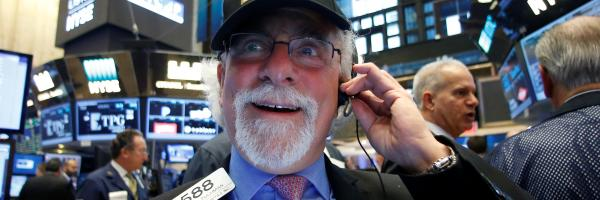 Optimismus na Wall Street. Index Dow Jones překročil 20 tisíc bodů.