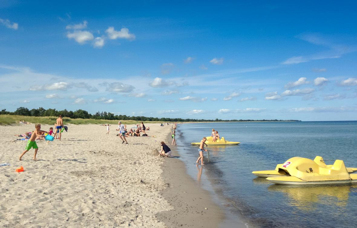 Pláž u Marielystu v Dánsku