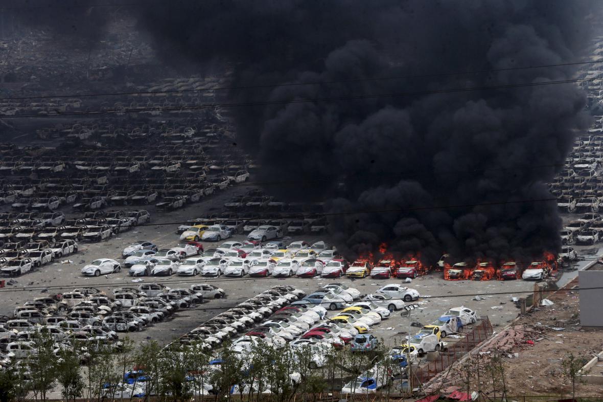 Další exploze a vznícení automobilů v Tchien-ťinu