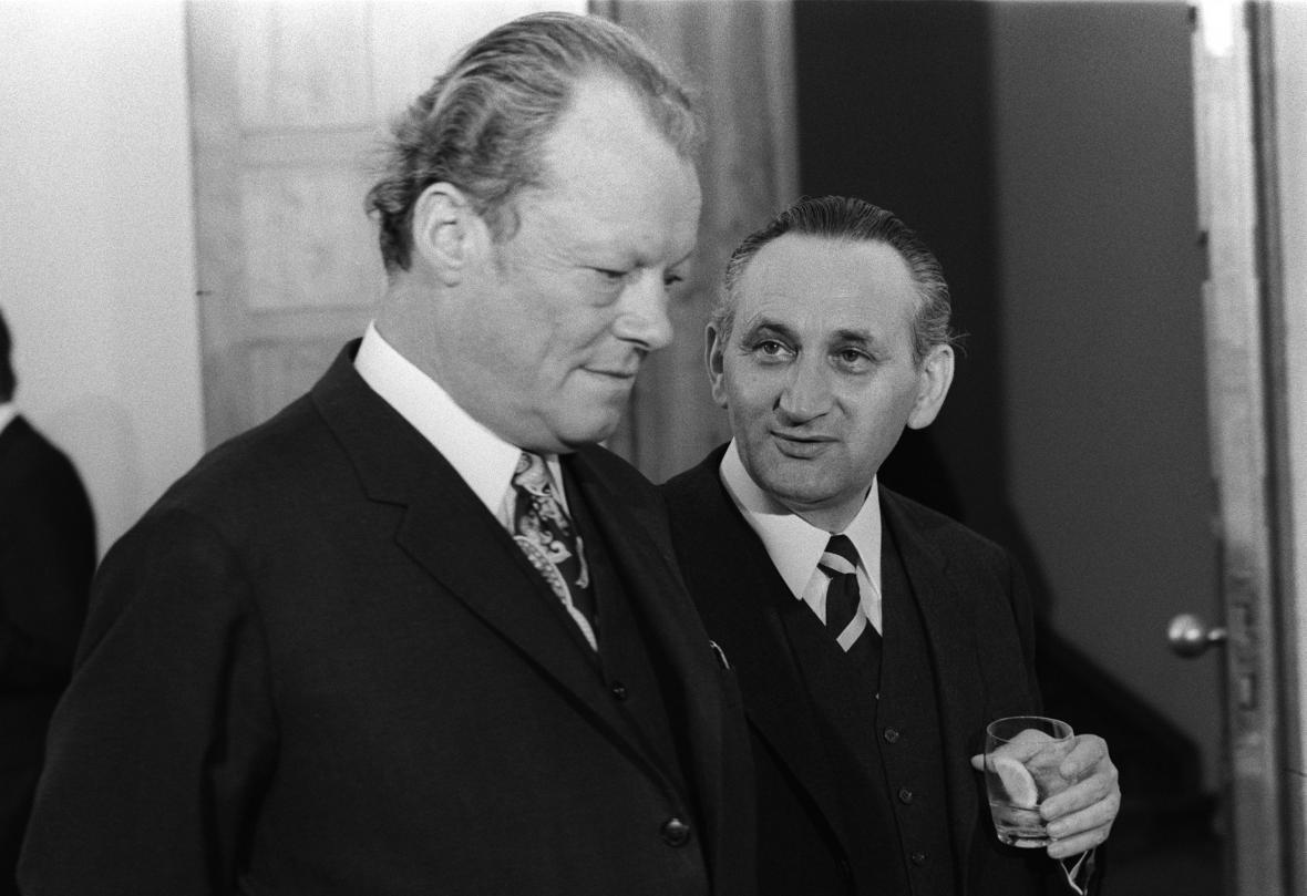 Willy Brandt s Egonem Bahrem v roce 1972