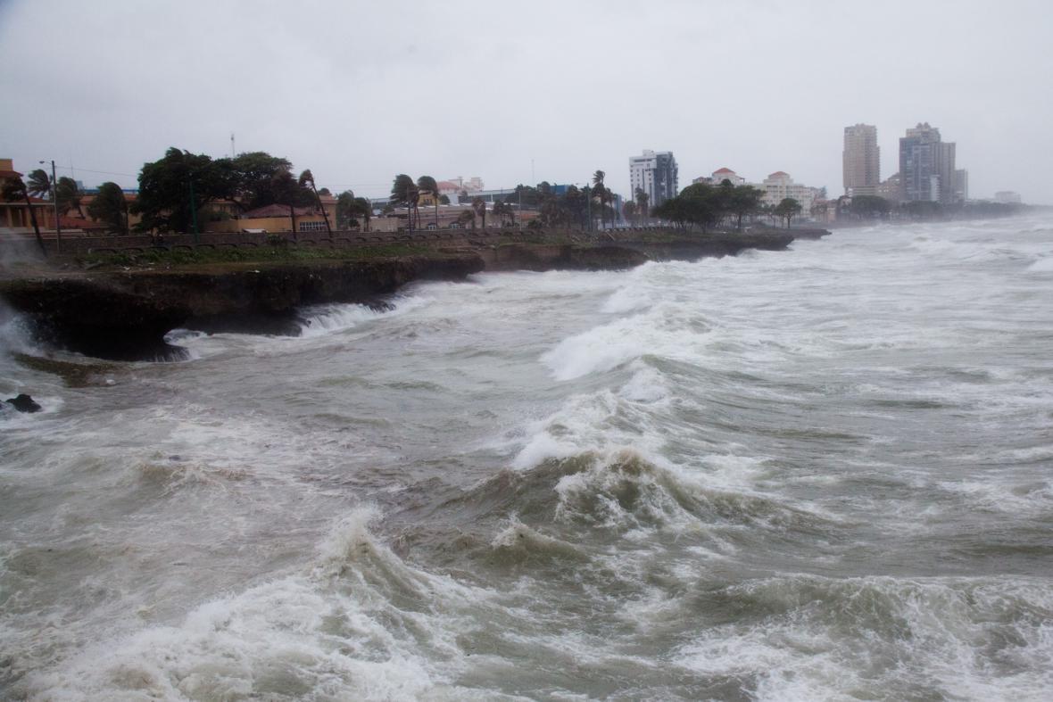 Tropická bouře Erika u pobřeží Dominikánské republiky