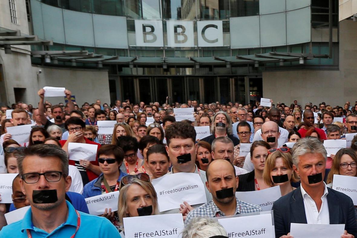 Novináři BBC demonstrují na podporu kolegů z Al-Džazíry, 2014