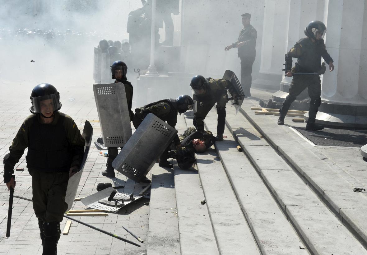 Výbuch před ukrajinským parlamentem