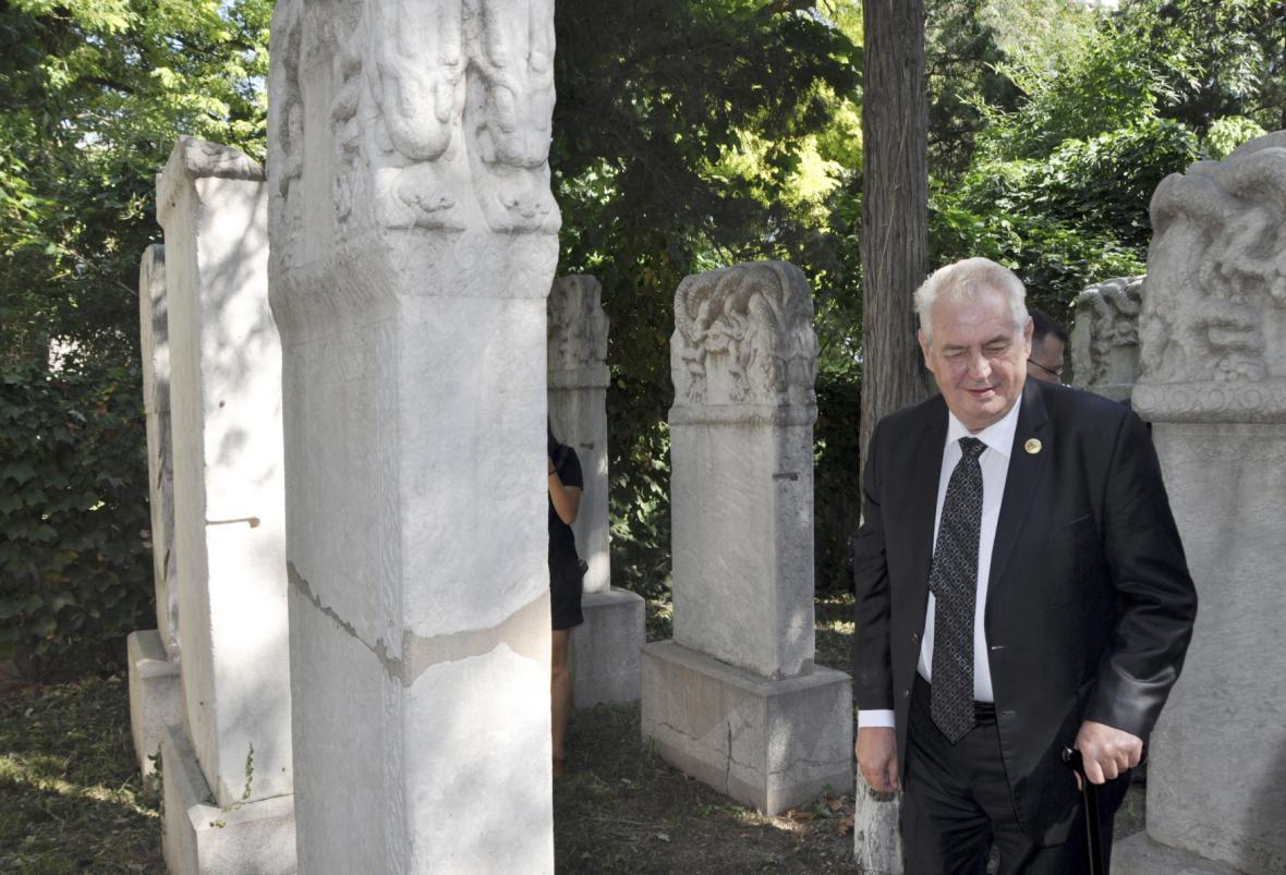 Miloš Zeman uctil památku prvního českého sinologa