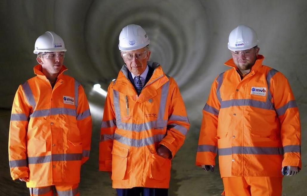 Stavbu nového tunelu si přišel loni v únoru prohlédnout i princ Charles