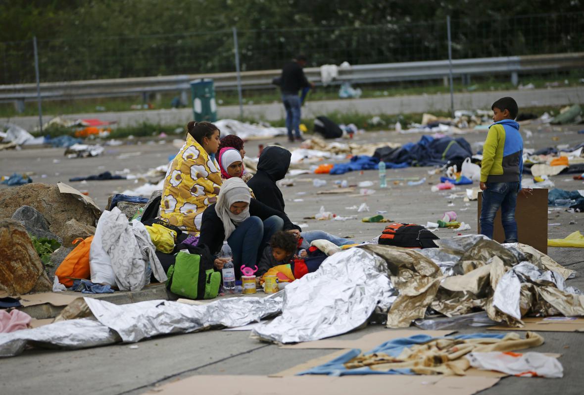 Migranti v Nickelsdorfu
