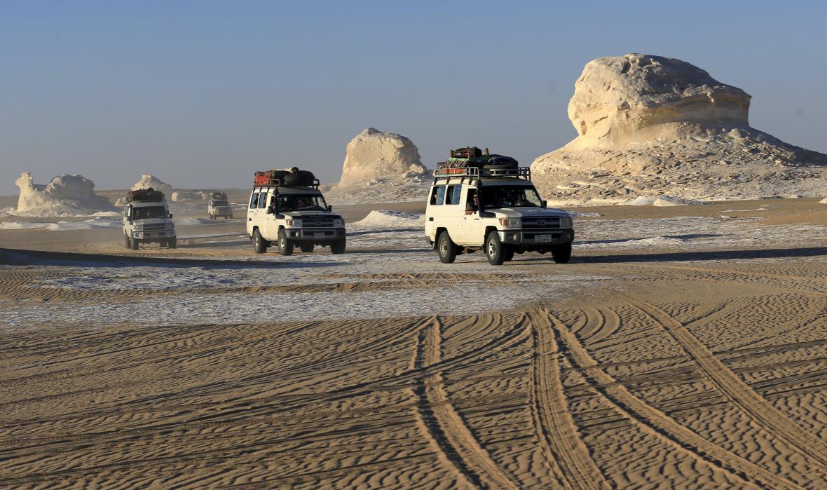 Turistický konvoj v Egyptě