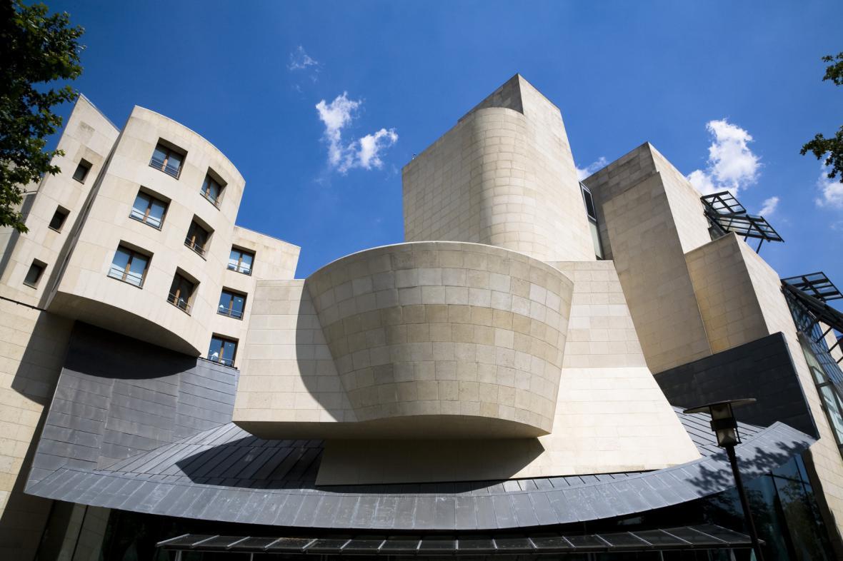 Budova bývalého Amerického centra v Paříži