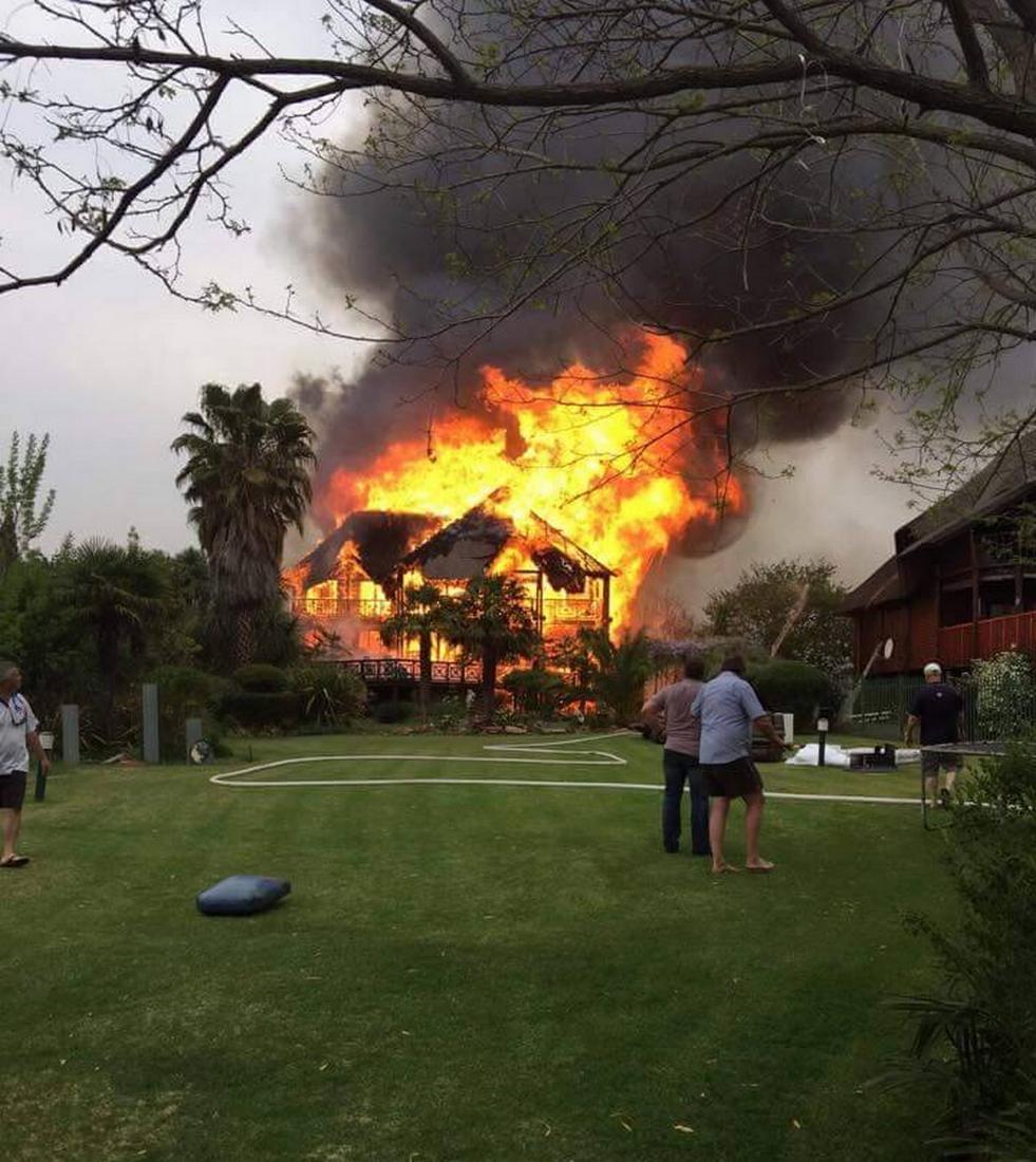Požár luxusní čtvrti u Johannesburgu