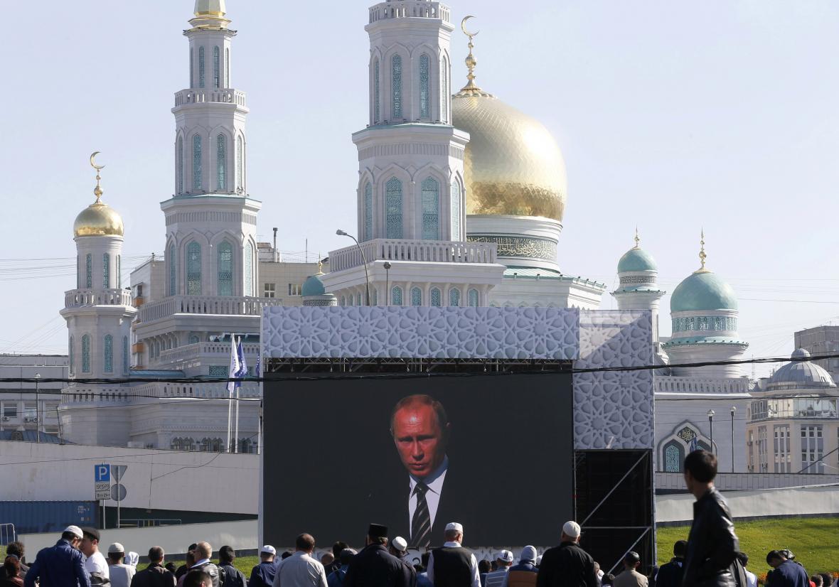 Vladimir Putin otevřel v Moskvě největší mešitu v Evropě