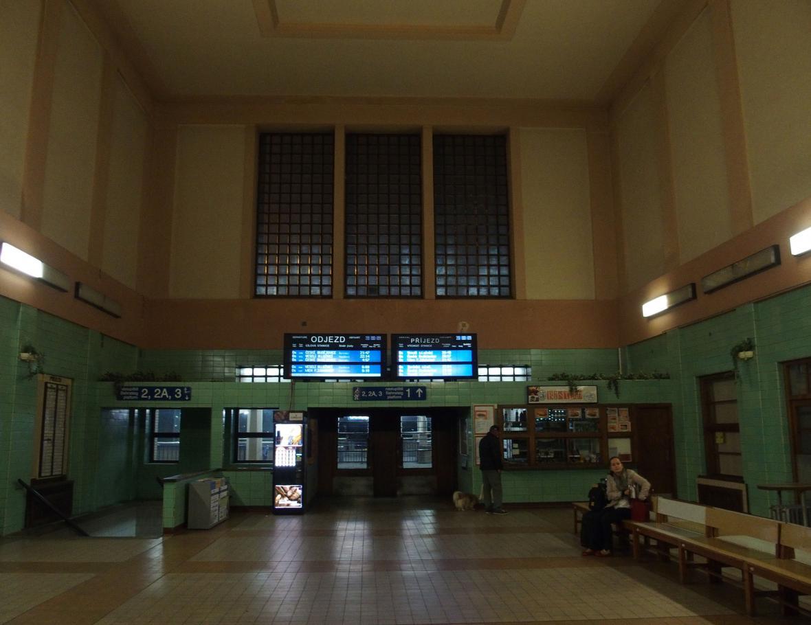 Velenické nádraží