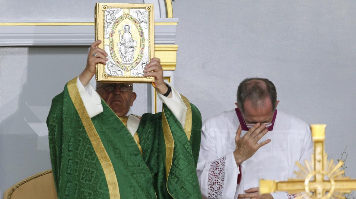 Papež František se s Američany rozloučil bohoslužbou pod širým nebem ve Filadelfii