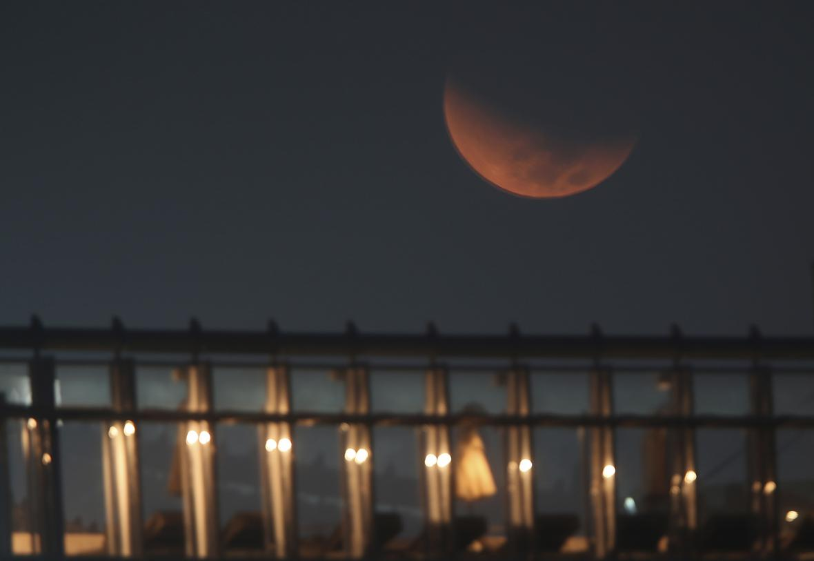 Superměsíc v Emirátech