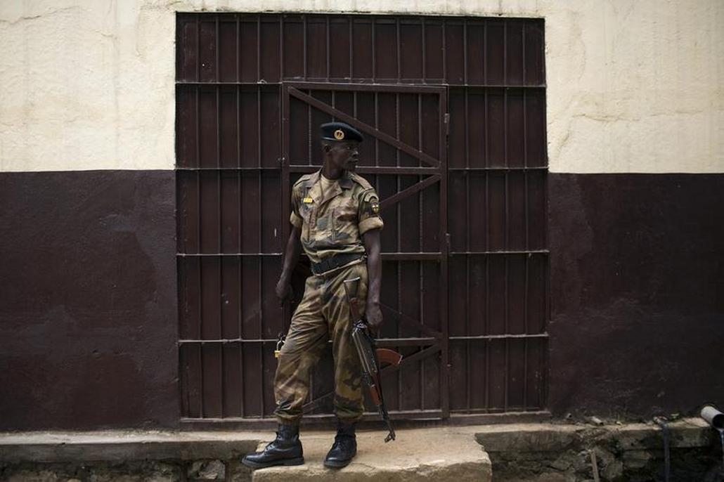Vězeňská stráž v jedné ze středoafrických věznic