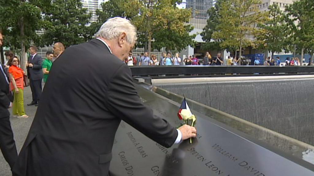 Miloš Zeman uctil památku obětí teroristického útoku z 11. září 2001