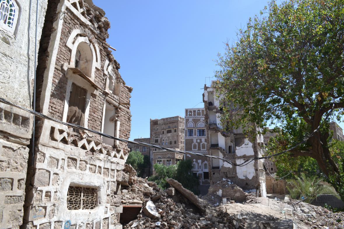 Zničené čtvrti metropole Saná