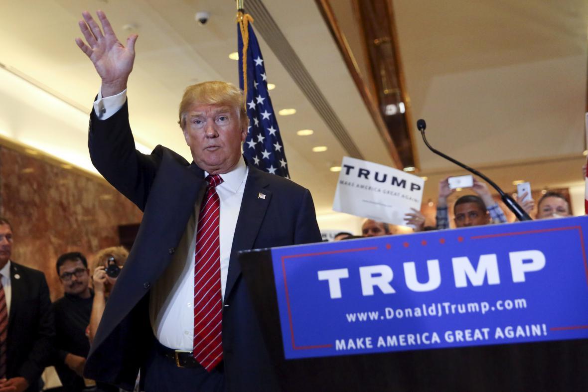 Donald Trump na brífinku ke své daňové politice