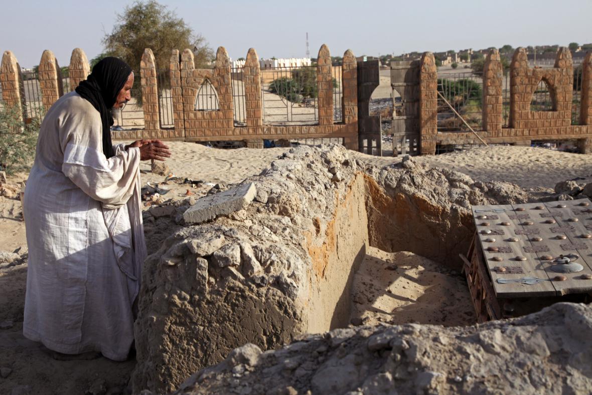 Zničená část mauzolea v Timbuktu