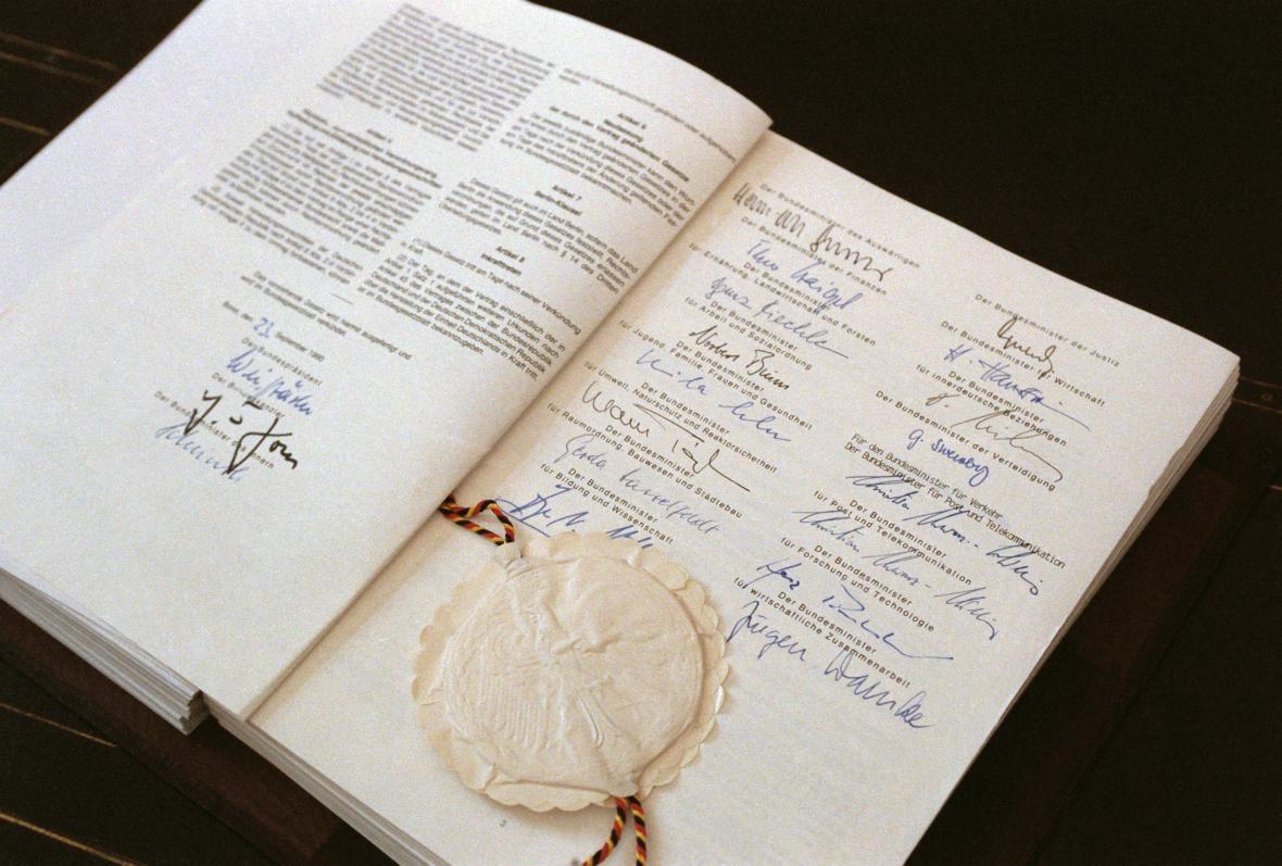 Německo-německá smlouva o sjednocení