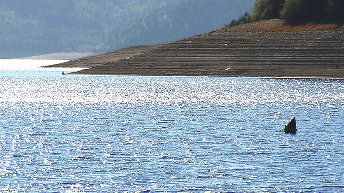 Obnažené břehy Orlické přehrady