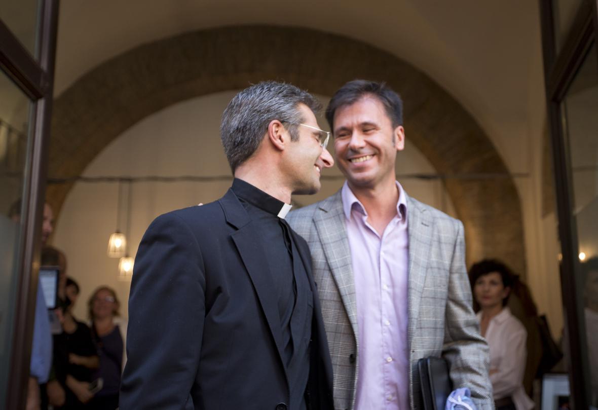 Krzysztof Charamsa se svým partnerem