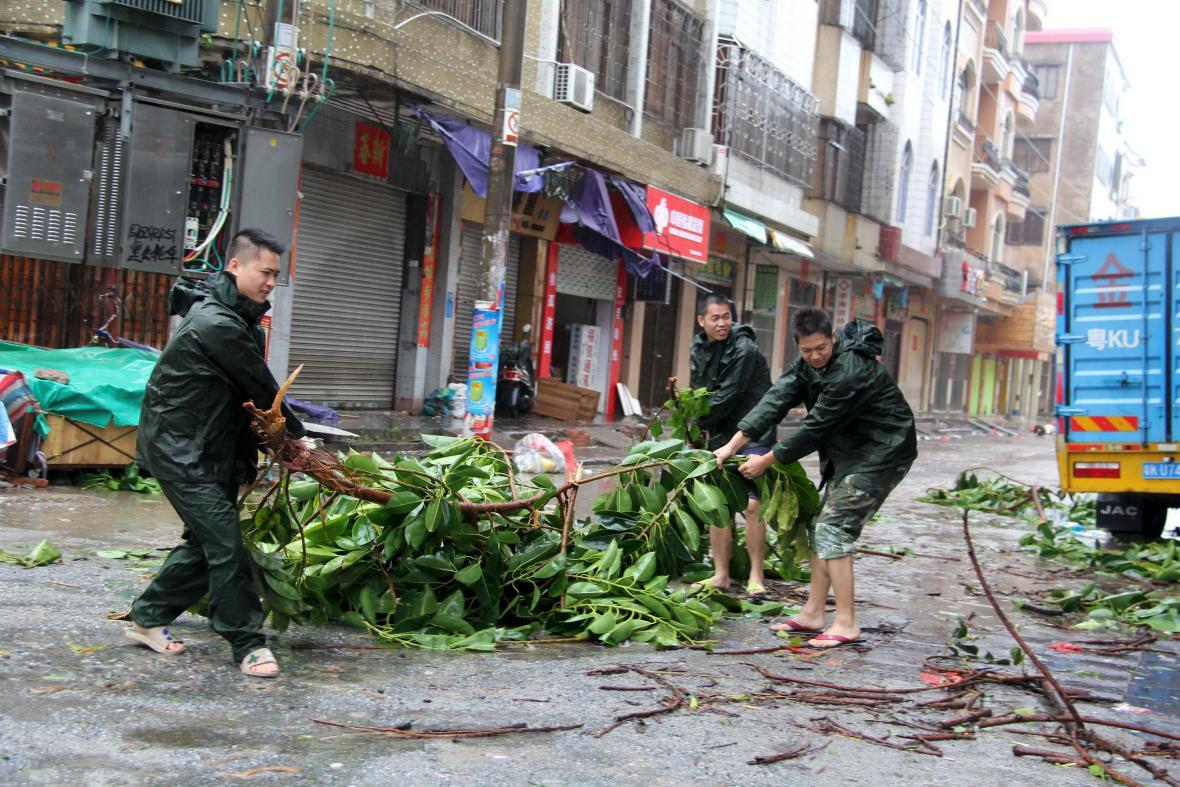 Následky tajfunu Mučike na jihovýchodním pobřeží Číny